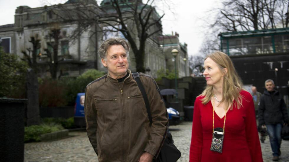KLAR FOR JOBB: Bill Pullman og DNS-sjef Agnete Haaland.  Foto: Marit Hommedal / NTB scanpix