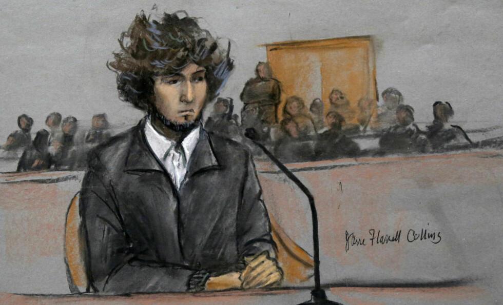 SISTE HØRING:  Den mistenkte bombemannen, Dzhokhar Tsarnaev, ririkerer dødsstraff dersom han blir funnet skyldig i terroraksjonen under Boston Maraton i april i fjor. FOTO/TEGNING: AP /JANE FLAVELL COLLINS