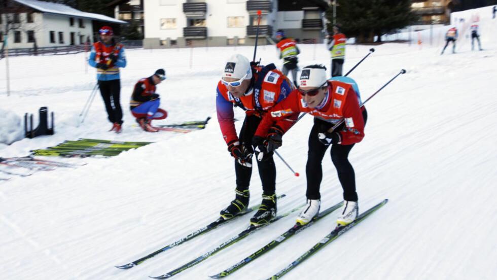 SPONSORYNDLING: I dag testet Marit Bjørgen ski i Davos sammen med sin faste smører Perry Olsson. I januar kan hun bli kåret til Årets Sponsorobjekt. Foto :Tormod Brenna