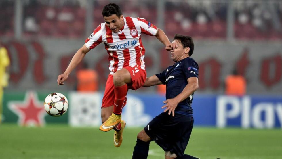 PÅ TOPP:  Omar Elabdellaoui (i rødt) ble byttet ut 12 minutter før slutt. Dette bildet er fra en tidligere kamp. FOTO: NTB SCANPIX