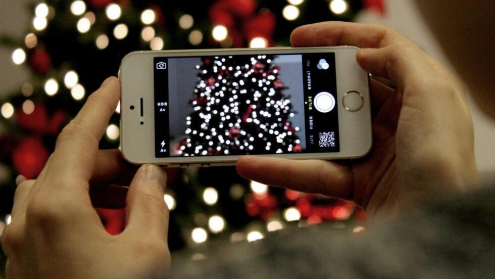 DU GRØNNE GLITRENDE: Hvordan skal du få mobilbildene dine til å skinne i jula? Følg våre råd. Foto: Ole Petter Baugerød Stokke