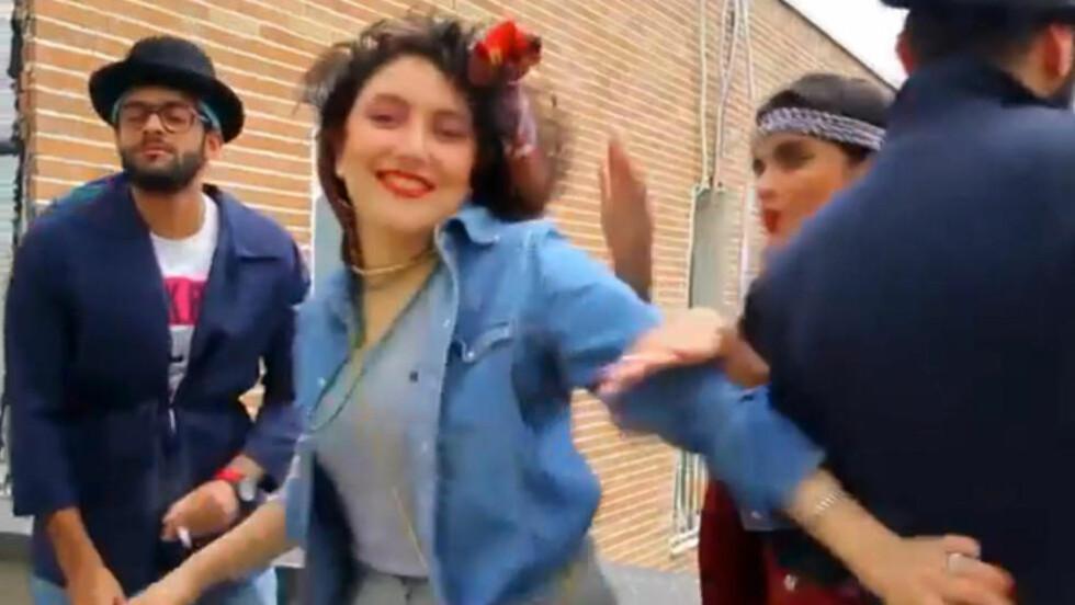 I RETTEN: : Seks iranske ungdommer (bildet) ble arrestert i mai for å ha lagt ut en video hvor de danser til Pharrell Williams' slager «Happy». Den «vulgære» videoen skadet den «offentlige kyskhet», ifølge politiet. Nå møter de i retten: Foto: NTB Scanpix