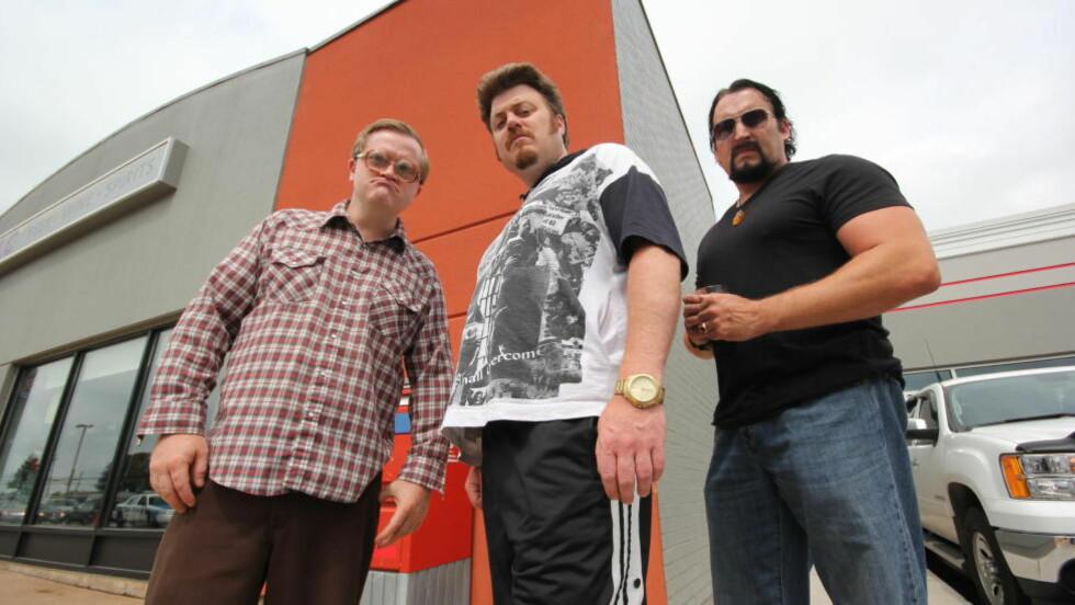 TOK OVER: Skuespillerne Mike Smith (Bubbles), Robb Wells (Ricky) og John Paul Tremblay (Julian) kjøpte tv-serien «Trailer Park Boys» av serieskaper Mike Clattenburg for å fortsette den på egen hånd. Foto: Netflix