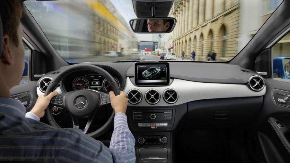 ETTERLENGTET ELBIL: B-klasse Electric Drive vil bli Mercedes første masseproduserte elbil. Hittil har bare SLS AMG vært tilgjengelig med helelektrisk motor. Foto: DAIMLER