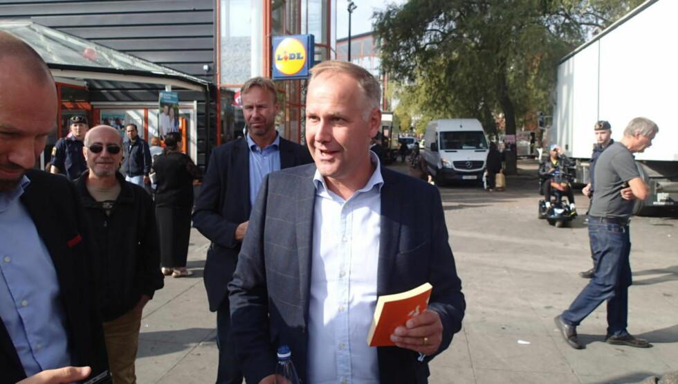 IKKE I REGJERING: Vänsterpartiets leder Jonas Sjöstedt blir ikke å finne i Stefan Löfvens regjering. Foto: CARL FRIDH KLEBERG / NTB SCANPIX