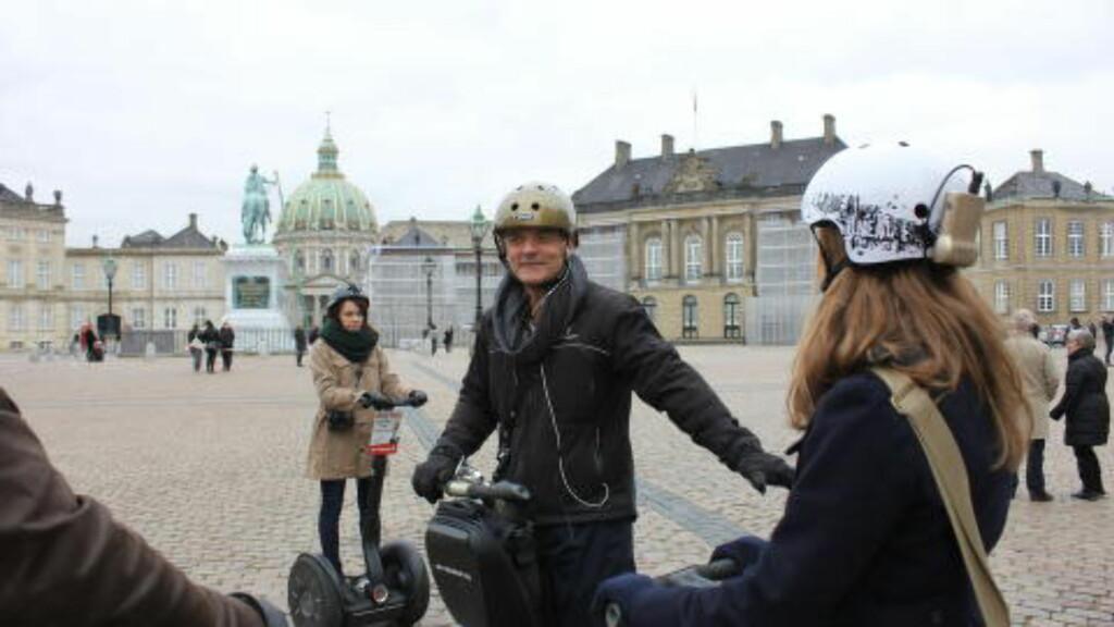 PÅ SIGHTSEEING MED SEGWAY: Vi testet Segway på sightseeing i København. Det fungerte strålende. Foto: Kristin Sørdal