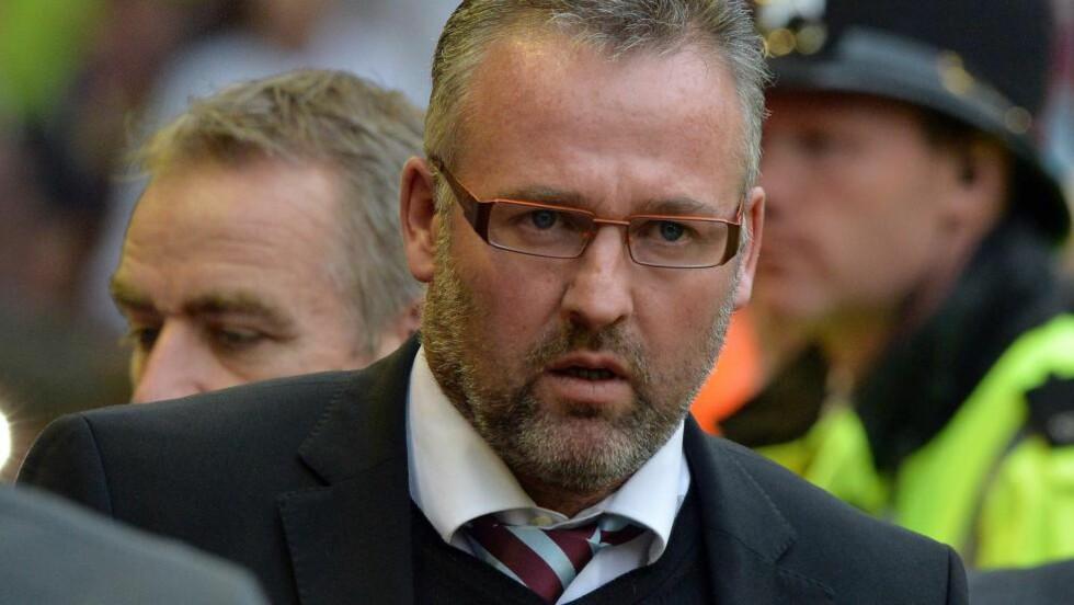 FORLENGET: Paul Lambert har skrevet under en ny kontrakt med Premier League-klubben Aston Villa som strekker seg ut 2018-sesongen. Foto: AFP PHOTO / PAUL ELLIS / NTB Scanpix