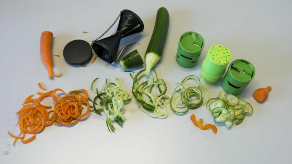 """SPIRAL: Gefu """"Spirelli"""" Spiral Slicer (til venstre) og Veggie Twister. Foto: PER ERVLAND"""