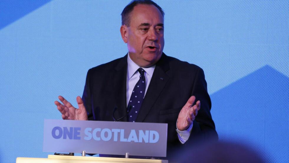TAKKET FOR STEMMENE:  Skottlands førsteminister og nasjonalistleder, Alex Salmond, roser skottene for oppslutningen rundt valget. Foto: REUTERS/Russell Cheyne