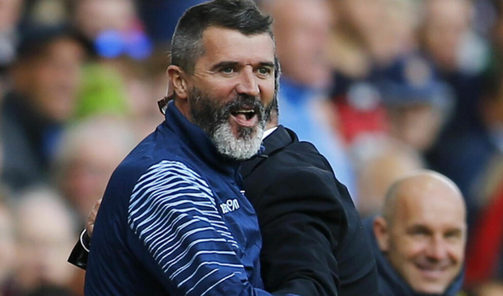 UBESEIRET: Her feirer Roy Keane seieren mot Newcastle, med en klem til sjef og Villa-manager Paul Lambert. Foto: REUTERS/Darren Staples / NTB SCANPIX