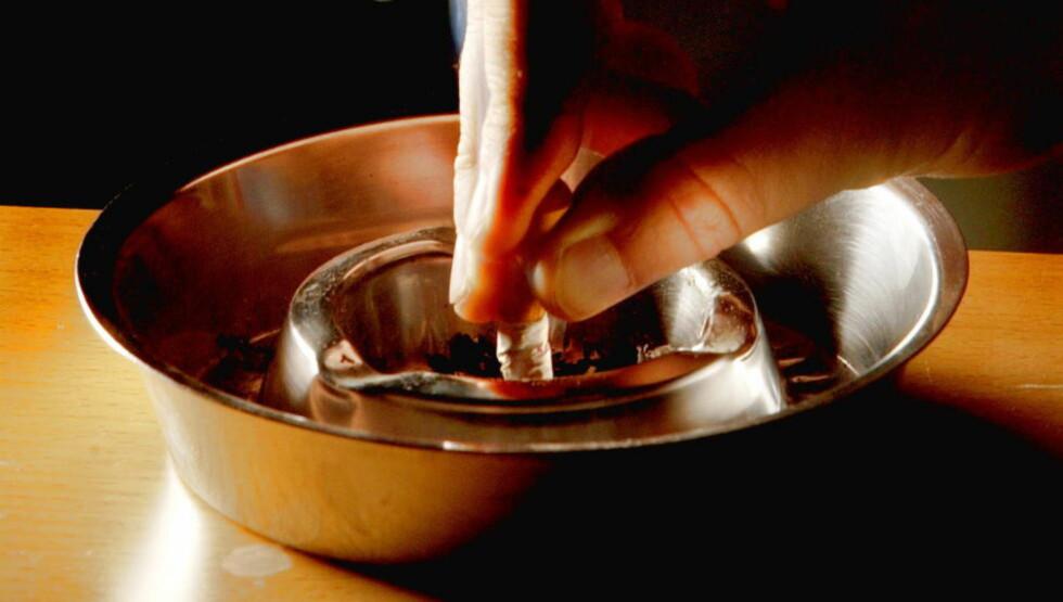 FORTSATT EN RISIKO: Røyking er fortsatt et risikoelement når det gjelder kreft, men en ny studie hevder at så mange som to av tre krefttilfeller rett og slett skyldes uflaks. Foto LANDFALD/JEANETTE Dagbladet
