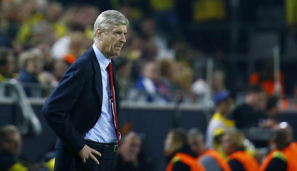 MISFORNØYD:  Arsene Wenger må kanskje greie seg uten nyervervelsen Mathieu Debuchy i tre måneder. Foto: Reuters / NTB Scanpix