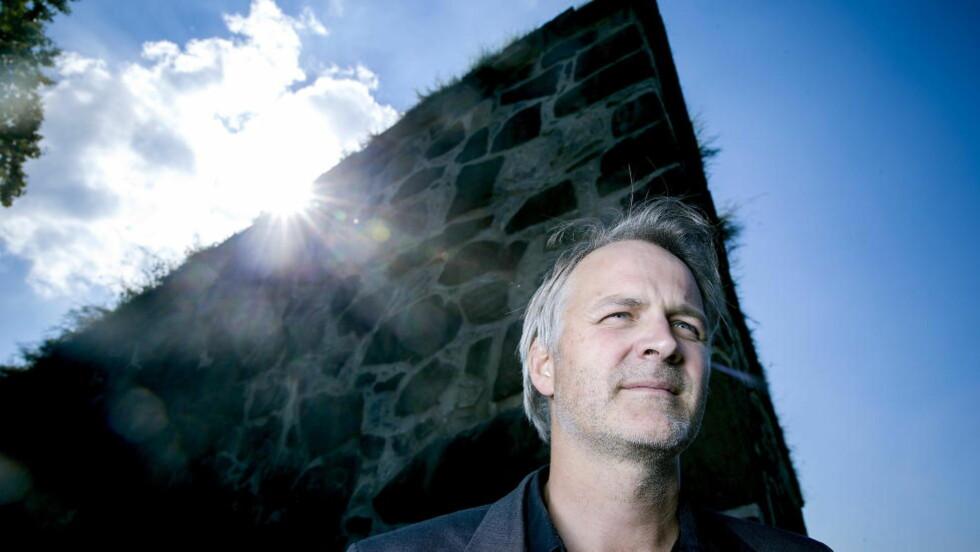 HVEM ER VI? Reidar Müller har skrevet boka «Det som ble Norge«» - blant annet om hvordan Norge ble befolket.  Foto: Bjørn Langsem / DAGBLADET
