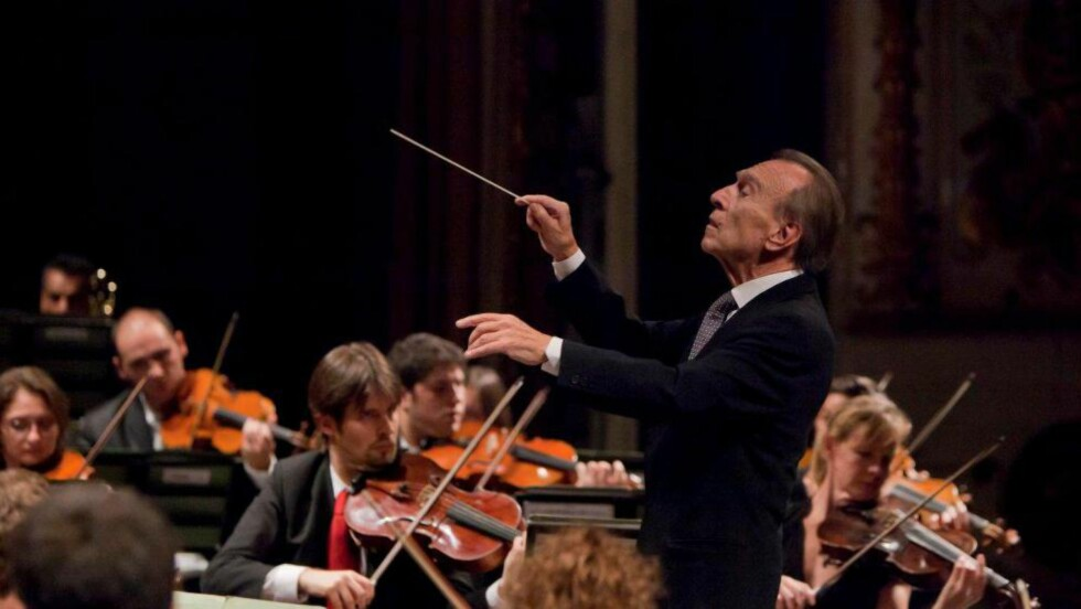 I AKSJON: Claudio Abbado i spissen for sitt siste orkester, Orchestra Mozart. Foto: ORCHESTRA MOZART
