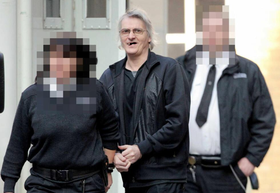 SEKTLEDER:  I 2011 ble Colin Batley og fire andre medlemmer av en satanistisk sexsekt i Wales dømt til lange fengselsstraffer for voldtekter, overgrep mot barn og for å ha tvunget kvinner ut i prostituasjon. Nå forteller et av ofrene om oppveksten i sekten i en ny bok. Foto: Rex Features / All Over Press