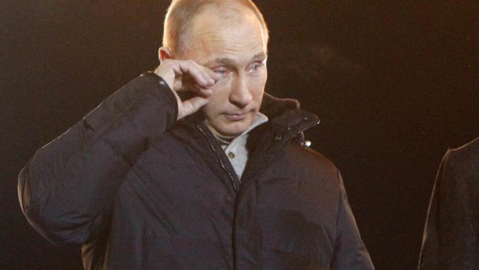 GRÅT DA HAN BLE GJENVALGT: Da Russlands president, Vladimir Putin, ble gjenvalgt i 2012 ble han så rørt at han måtte felle noen tårer mens han talte til støttespillerne valgdagen. Nupi-forsker Julie Wilhelmsen mener det er viktig at vi ikke slutter å snakke med presidenten. Foto: REUTERS/MIKHAIL VOSKRENSKY/NTB SCANPIX