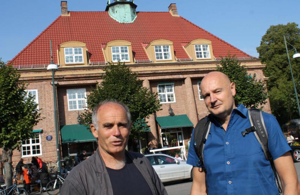 EN UTOPI: - Ullevål hageby er for mange en virkeliggjort utopi, sier forfatteren Bror Hagemann. Sammen med Erlend Loe har han arbeidet med manuset til TV-serien «Kampen for tilværelsen» på NRK. Foto: FREDRIK WANDRUP