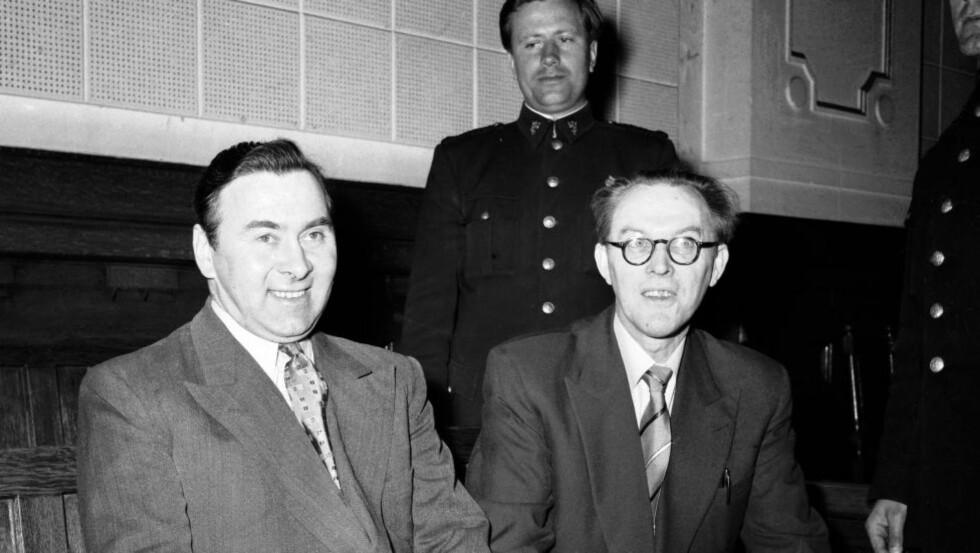 SPIONDØMT: 29. januar 1954 ble krigshelten og kommunisten Sunde, bedre kjent som leder av leder av «Osvaldgruppen», dømt til åtte års fengsel for spionasje for Sovjetunionen. Til venstre, hans medsammensvorne sersjant Erling Nordby. Foto: NTB SCANPIX