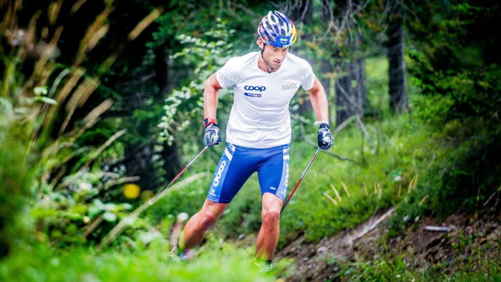 UT MED COOP: Dersom Petter Northug (28) skal fortsette å representere Norge, må han stanse sponsoravtalen med Coop fra mai neste år. Foto: Thomas Rasmus Skaug / Dagbladet
