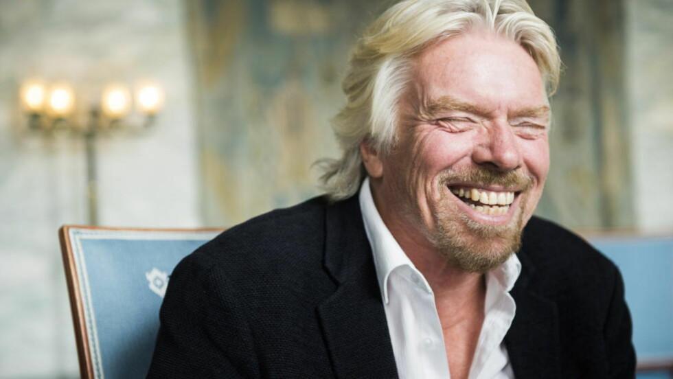 TILLIT TIL ANSATTE: Richard Branson viser sine ansatte i Virgin Group stor tillit når han lar dem selv få bestemme ferielengde og tidspunkt. Her er han på rådhuset i Oslo for å motta pris fra Business for peace foundation i mai. Foto: Endre Vellene