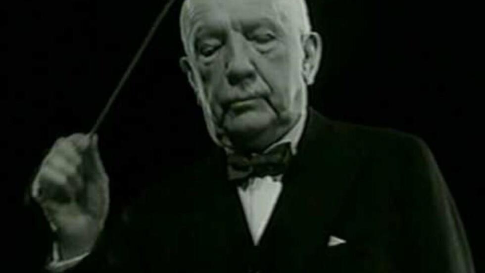 I AKSJON: Richard Strauss i velkjent dirigentpositur.