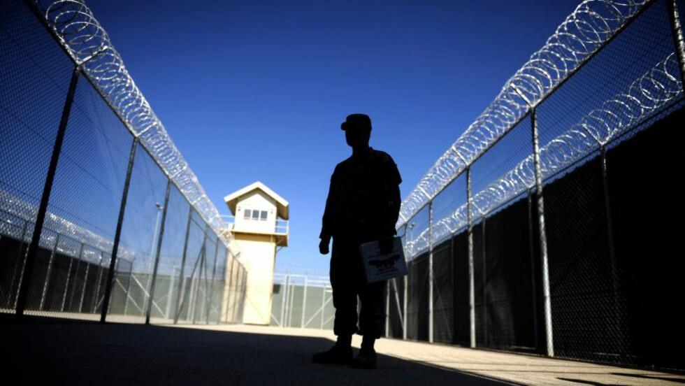 UTEN DOM: Forrige uke ble 14 pakistanske fanger i all stillhet sendt hjem fra Bagram-fengselet i Afghanistan, ettersom det ikke forelå beviser for at de hadde gjort noe galt. Foto: Massoud Hossaini/AFP/Scanpix