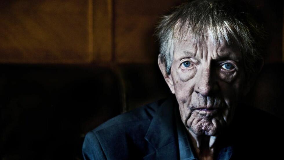 JUBILANT: I dag fyller Kjell Askildsen 85 år. Askildsen er novellekunstens mester og en av de betydeligste norske forfatterne etter krigen. Han utga sin første novellesamling i 1997. De siste åra er han blitt sterkt synssvekket først på det ene, siden på det andre øyet. Foto: HANS ARNE VEDLOG