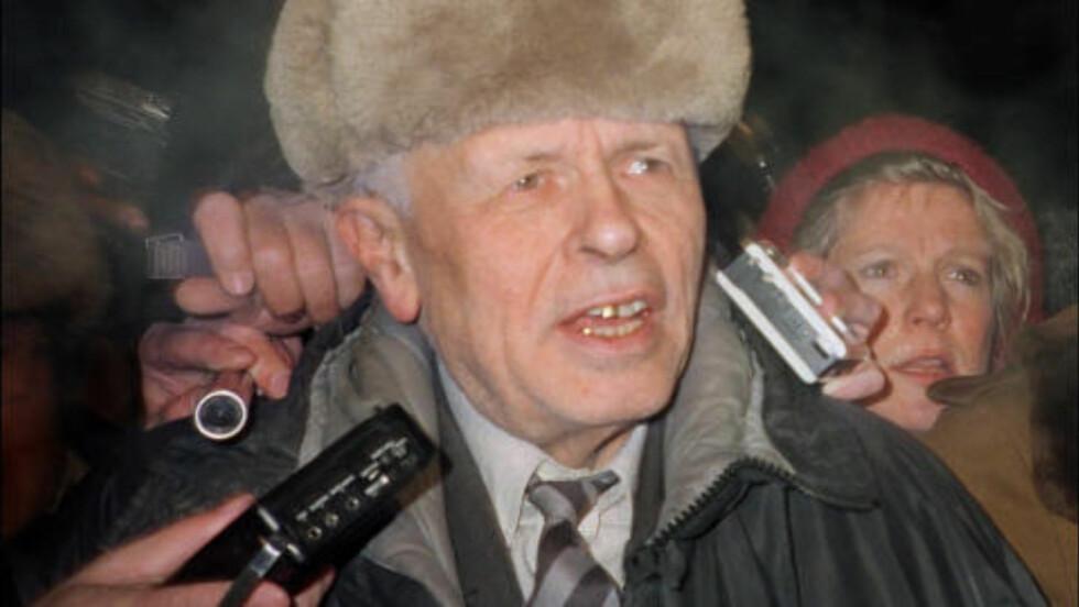 SKULLE SVERTE SAKHAROV: Da Andrej Sakharov fikk fredsprisen 1975 bestemte KGB seg for å sverte fredsprisvinneren. I Mitrokhin-arkivet står det at man blant annet skulle spre et falskt gratulasjonsbrev fra Chiles general Pinochet til Sakharov i anledning fredsprisen for å folk i Norge til å gå imot tildelingen. KGB ville også bruke jødekortet og spre informasjon om at dette dreide seg om en avtale mellom sionistene og Sakharov. De mente et medlem i Nobelkomiteen var sionist. Foto: AFP/SYLVIE KAUFFMANN/NTB SCANPIX