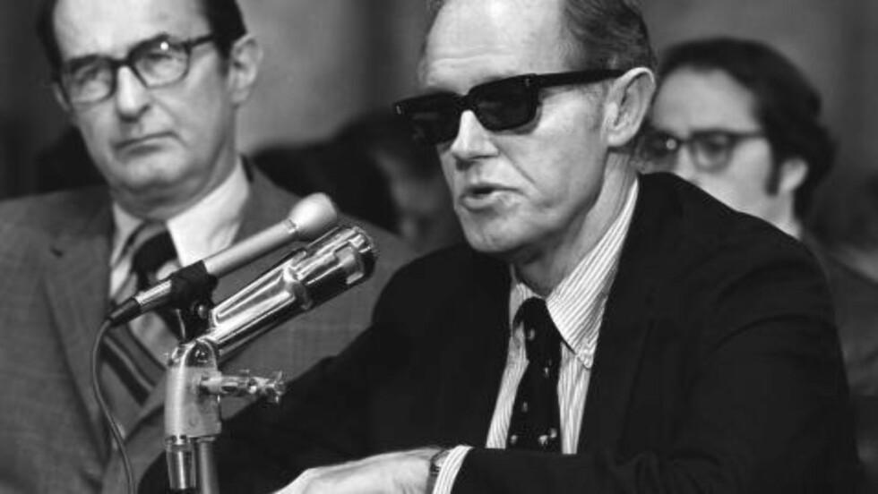 TIDLIGERE CIA-ANSATT: Sentral i Kennedy-konspirasjonen er den tidligere CIA-ansatte Everette Howard Hunt jr., som var en de fem mennene som brøt seg inn i det demokratiske partiet sitt hovedkvarter i Watergate-bygningen med den hensikt å installere et overvåkningssystem. Da innbruddet ble oppdaget ble dette starten på «Watergate-skandalen», som resulterte i at USAs president Richard Nixon måtte gå av. Foto: AP/NTB SCANPIX