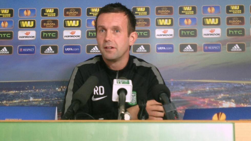 KLAR FOR ZAGREB: Ronny Deila på pressekonferanse i ettermiddag. Han står overfor en skikkelig eksamen i Celtic. Fansen krever seier og storspill mot Dinamo Zagreb torsdag. Foto: Espen Hartvig / NTB Scanpix