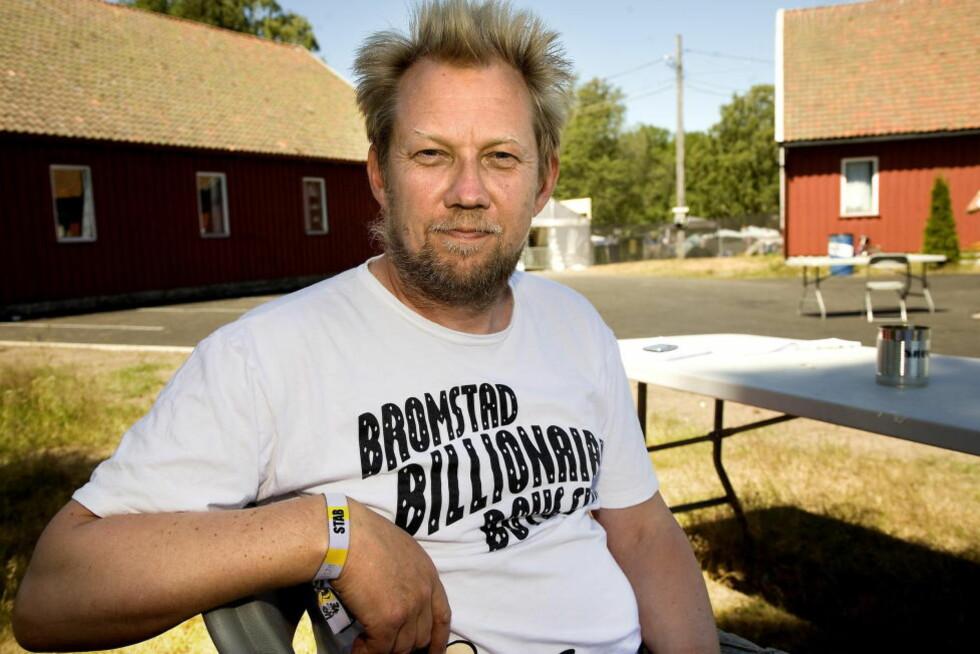 SKYLDER PÅ POLITIKERNE: Hovefestivalens profilerte bookingsjef Toffen Gunnufsen mener aldersgrensa på campen var dødsstøtet for festivalen. Selv har han allerede skaffet seg en ny jobb. Foto: Anders Grønneberg/Dagbladet