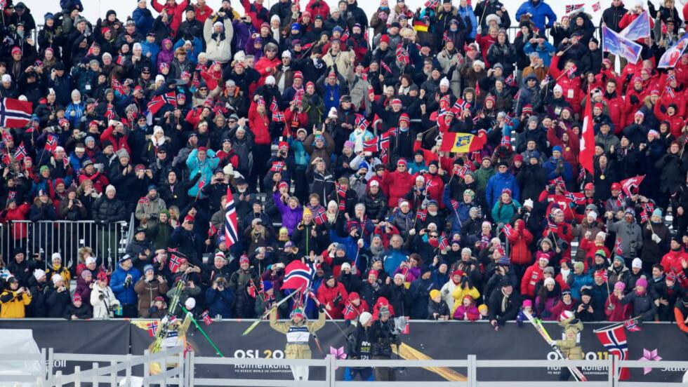 FOLKEFEST: Ski VM i Oslo i 2011 var en fest, her fra herrestafetten som Petter Northug og de andre dro i land foran fullsatte tribuner. Arkivfoto: Eirik Helland Urke / Dagbladet