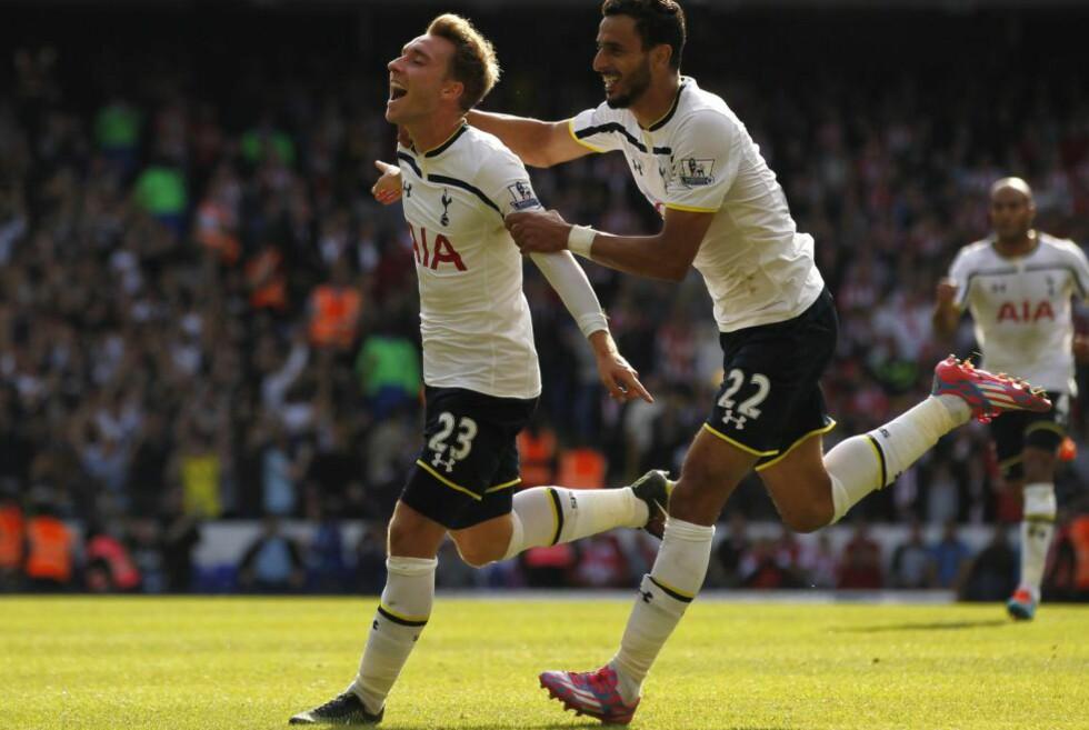 SCORET: Christian Eriksen banket inn 1-0 for Tottenham, etter en lekker assist av Nacer Chadli. AFP PHOTO/IAN KINGTON