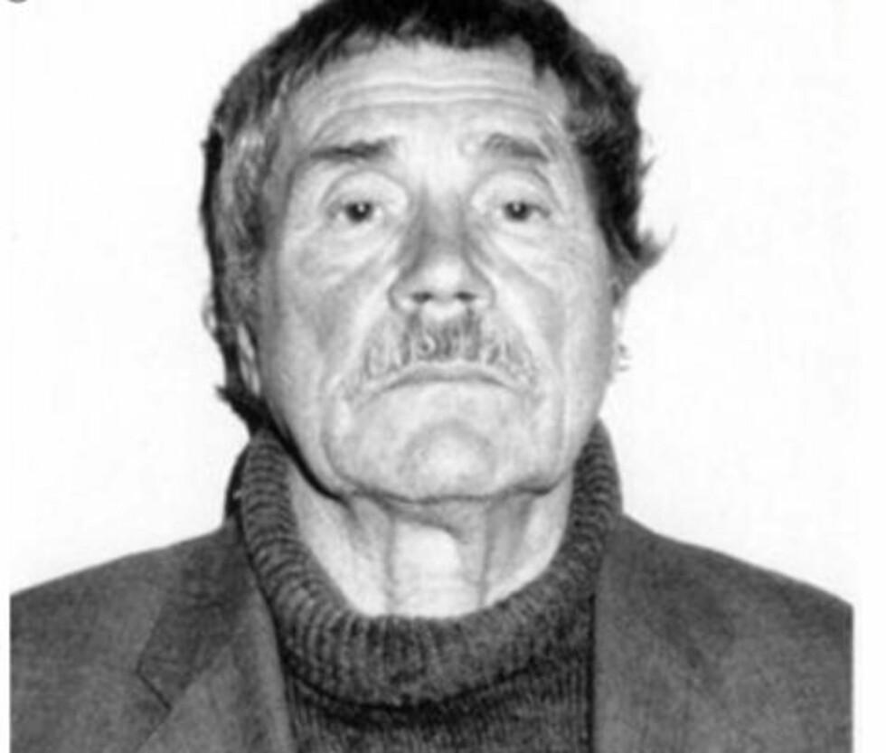 KGB-AVHOPPER: Dette bildet ble tatt av britisk etterretning da Vasilij Mitrokhin første gang kom til den britiske ambassaden i Latvias hovedstad Riga 9. april 1992. Med vilje kledde han seg i slitte klær, for å unngå å vekke mistanke. Foto: PRIVAT