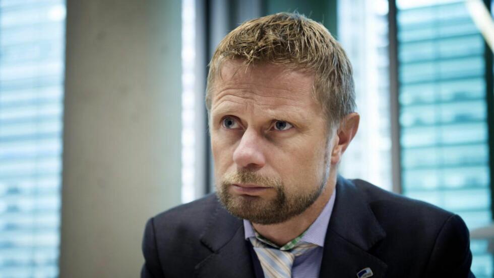 - GODT FORBEREDT:  Helse- og omsorgsminister Bent Høie mener Norge er godt forberedt, og vil nå sende opp mot 60 norske helsearbeidere til Vest-Afrika Foto: Øistein Norum Monsen / DAGBLADET