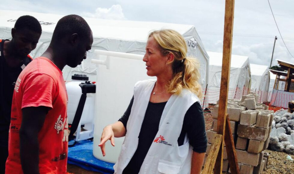STARTET SENTER:  I juni i år dro Lindis Hurum, nødhjelpskoordinator i Leger uten grenser, til Liberias hovedstad Monrovia. Hun så at behovet for hjelp for de ebola-smittede var enorm, men følte at verdenssamfunnet ikke tok ansvar. Det endte med katastrofe. Foto: Leger Uten Grenser
