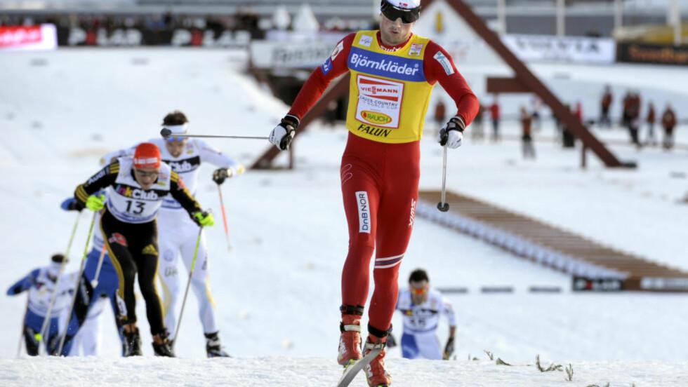 SUVEREN I FALUN:  Petter feirer enda en seier i den svenske skimetropolen. Falun er blant favorittløypene hans, men denne gangen betyr verdensmesterskapet der ingen ting for oppgjøret etter fyllekjøringa. FOTO: Scanpix/Anders Wiklund.