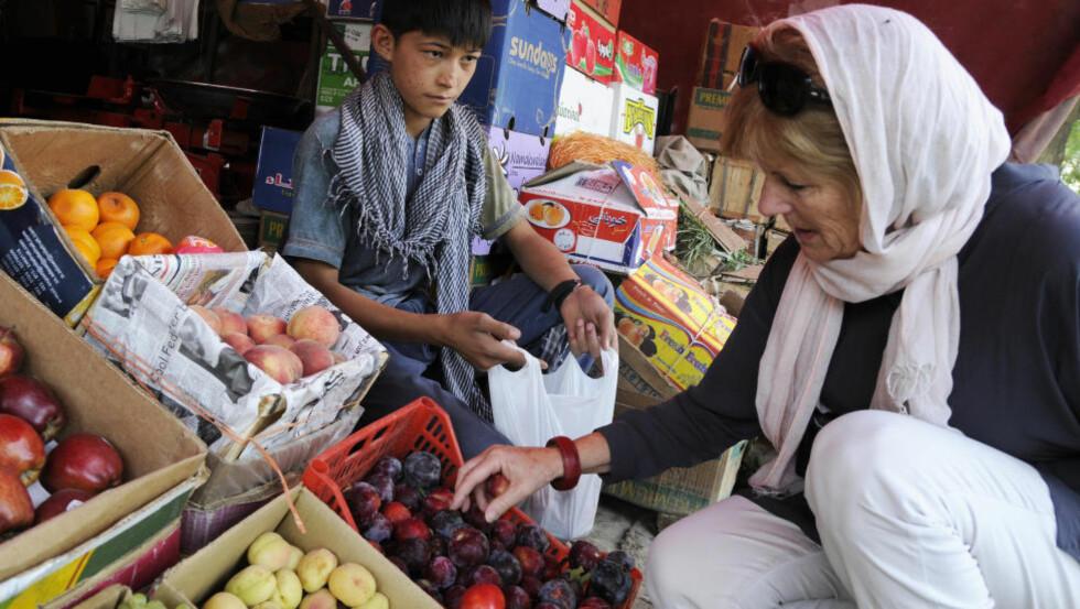 FÅ MØTEPLASSER: I Kabul er det noen få butikker og markeder Liv Steinmoen kan besøke, men restauranter, kino og andre møteplasser er det få av. Foto: Ola Sæther