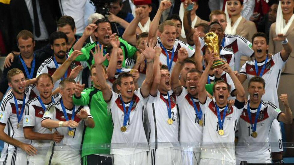 <strong>BEST:</strong> Ingen over, ingen ved siden. De norske tysklandsproffene henter inspirasjon og lærdom fra fotballkulturen som gjorde denne gjengen til verdensmestre i sommer. Foto: AFP PHOTO / PEDRO UGARTE / NTB Scanpix