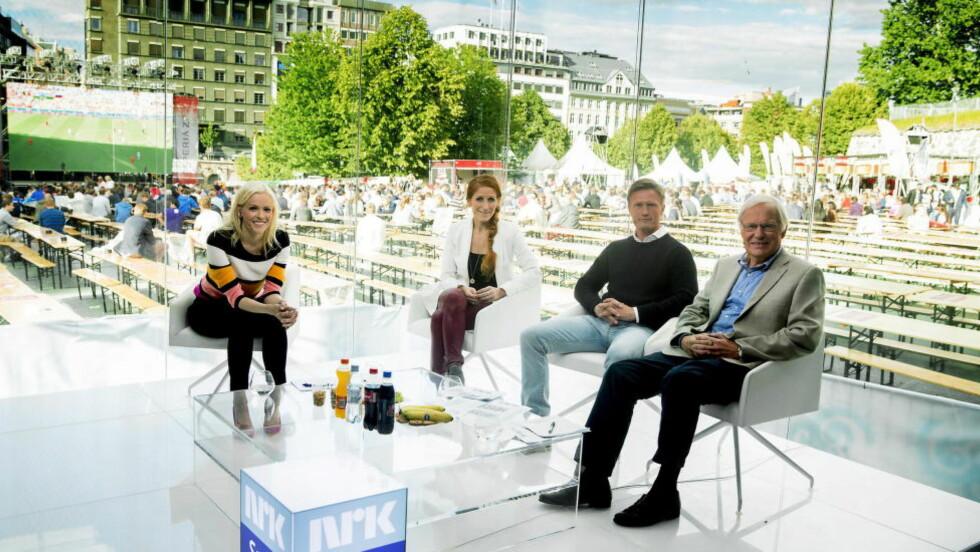 DELTE VM-STUDIO:  Fotballpraterene i NRK og TV 2 delte VM-studio på Kontraskjæret i Oslo i sommer.  Foto: Bjørn Langsem / DAGBLADET
