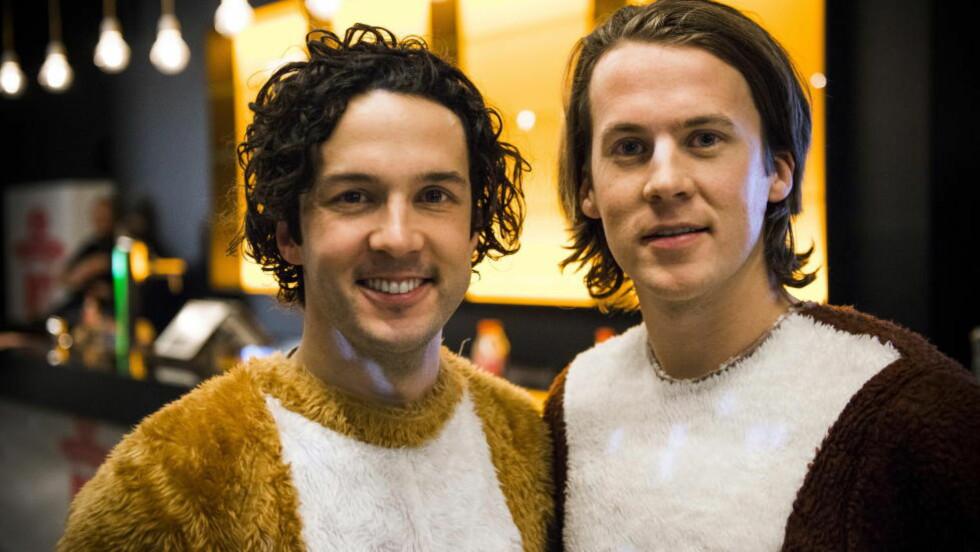 MOT USA: Ylvis jobber med konsept for amerikansk TV. Her er Vegard (t.v) og Bård Ylvisåker etter opptreden på MTV EMA 2013 i Amsterdam. Foto: Endre Vellene