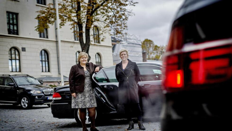 ETT ÅR: Erna Solberg og Siv Jensen mener KrF ligger nærmere de blå enn Ap. Lederen av Kristelig Folkepartis Unddom, Emil André Erstad, er provosert, og mener partilederne har misforstått og undervurdert KrFs profil. Foto: Anita Arntzen / Dagbladet