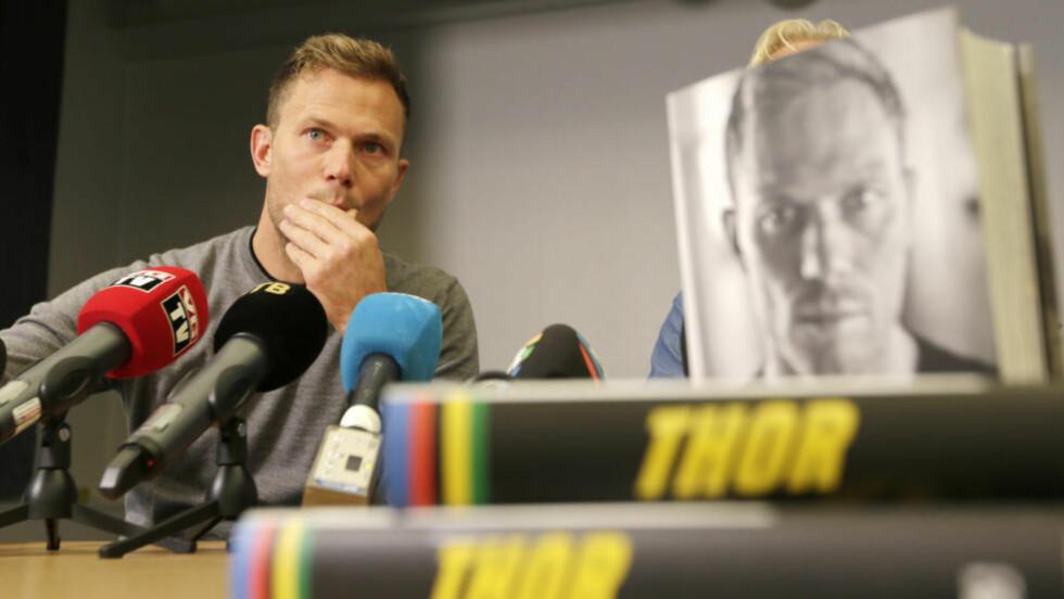 BURDE TENKT SEG OM:  Etter hvert burde Thor Hushovd forstått at han ikke kunne tie om dopinghemmelighetene til Lance Armstrong. Det blir dessverre for seint med denne selvbiografien. FOTO: Vidar Ruud / NTB scanpix.