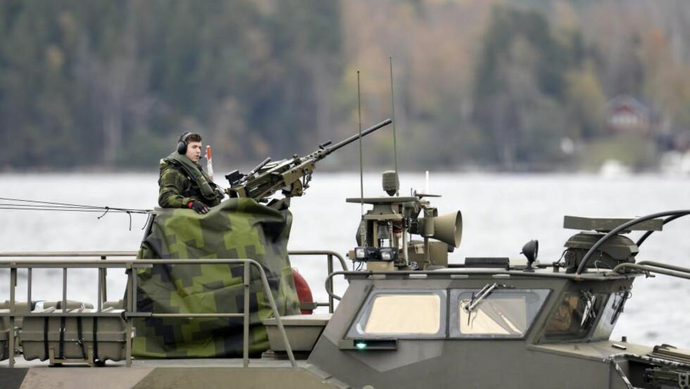 ALARM: Det letes fortsatt etter ubåten som skal ha blitt observert i Stockholms skjærgård.         Foto: PONTUS LUNDAHL / NTB scanpix