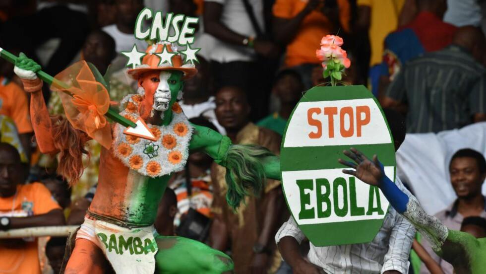 TILROP: Da Sierra Leone spilte mot Elfenbenskysten i september, måtte de tåle tilrop som «ebola ebola» fra tribuna. Foto: AFP PHOTO / ISSOUF SANOGO / NTB Scanpix