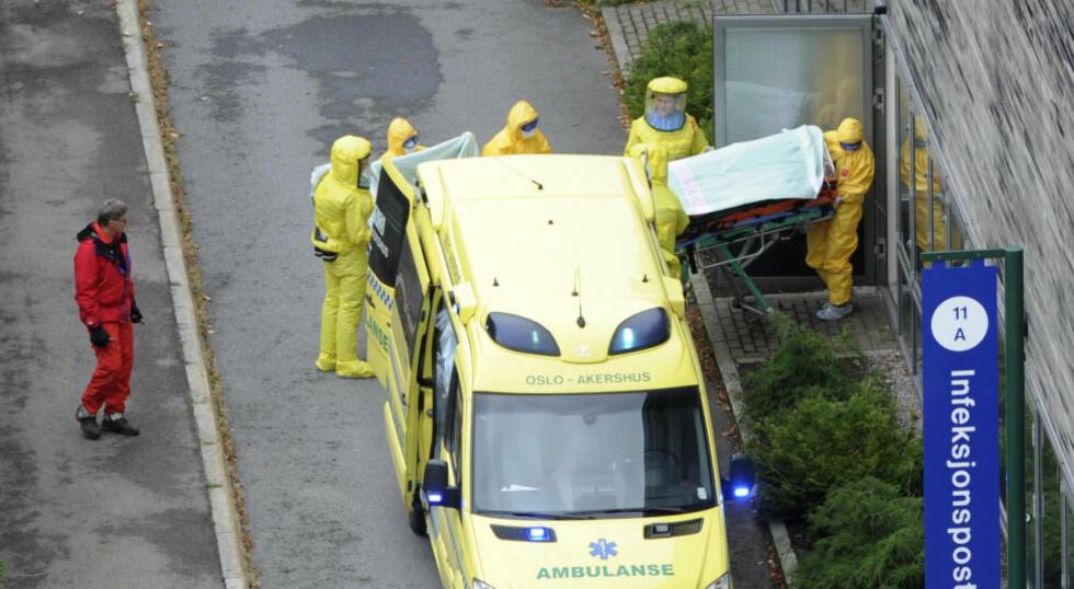 ISOLERT:  Den ebola-smittede norske kvinnen kom til infeksjonsposten på Ullevål 7. oktober. Foto: Terje Pedersen, NTB Scanpix.