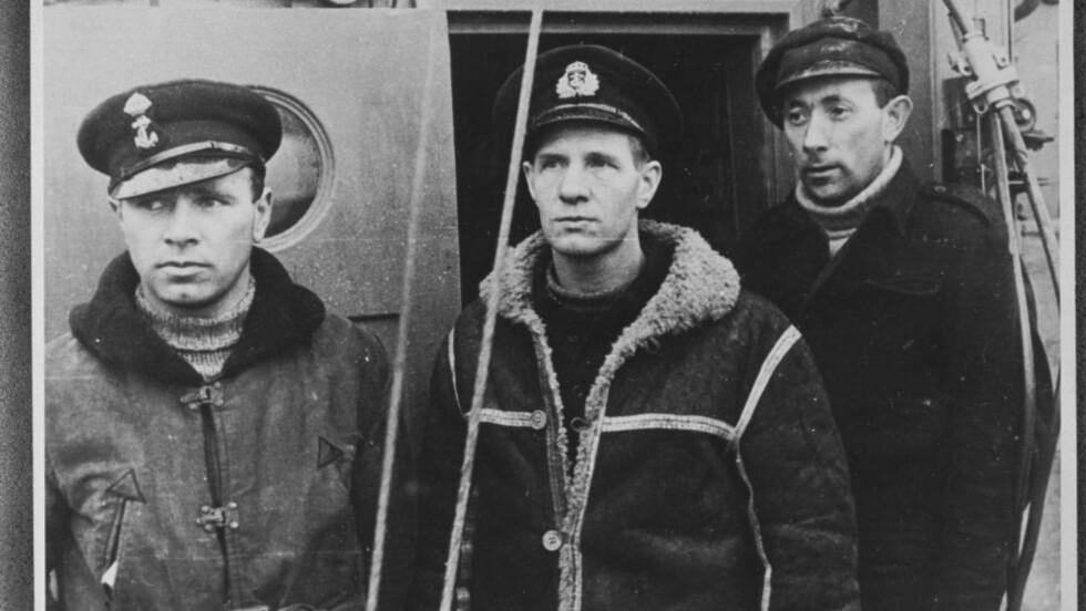 ETTER TOKT TIL NORGE: Leif  «Shetlands»-Larsen (i midten) med Richard Angell og sin nestkommanderende Birger Arnesen (t.v.). Foto: NORGES HJEMMEFRONTMUSEUM