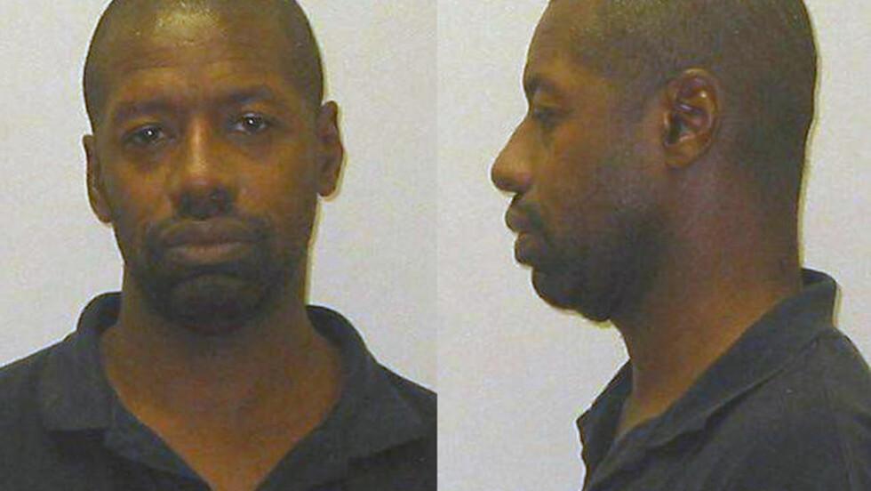 PÅGREPET: Darren Vann (43) er pågrepet og siktet for drapet på Afrikka Hardy i Gary i Indiana. Politiet mistenker imidlertid at han står bak en rekke drap etter å ha funnet ytterligere seks lik i løpet av helga. Foto:  REUTERS/Hammond Police Department/Handout