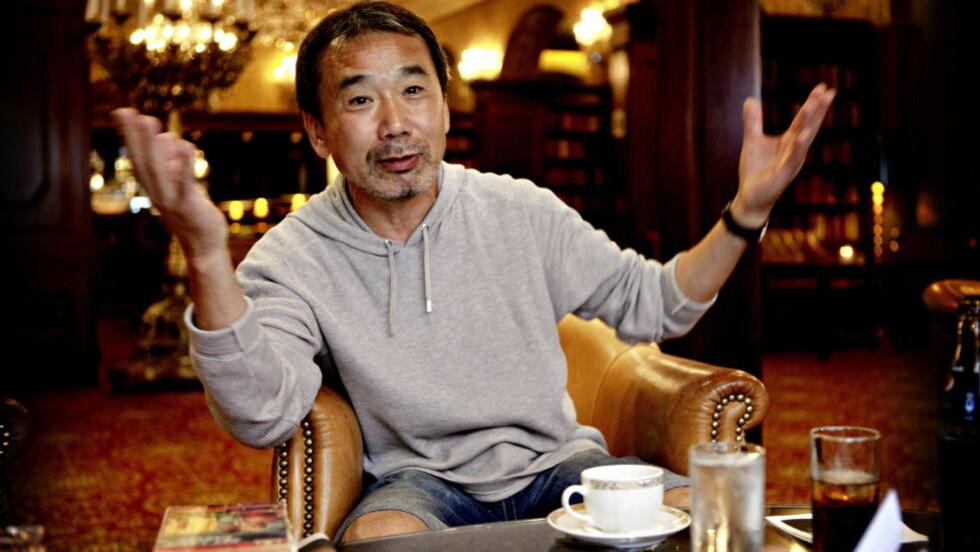 TAKTSKIFTE: «Fargeløse Tsukuru Tazaki og hans pilegrimsår» er ikke helt som Haruki Murakamis tidligere utgivelser. - Bøkene mine er som Beethovens symfonier. Nummer tre, fem, sju og ni er store symfonier, mens nummer to, fire, seks og åtte er mer intime, sier han. Foto: Lars Eivind Bones