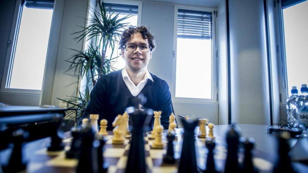 HAR DRØMMEJOBBEN: Jon Ludvig Hammer hadde et lett valg med å vrake TV 2 da han ble bedt om å være sekundant for Magnus Carlsen under VM-kampen i Russland. Foto: Thomas Rasmus Skaug / Dagbladet
